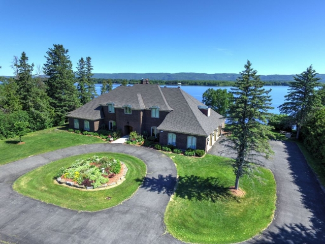 Real Estate - Ottawa - Luxurious Estate Home! Ottawa River Waterfront!