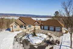 Walk-out Bungalow on Acreage